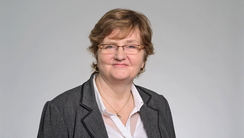 Annie Fouvy-Becker Client Service Officer