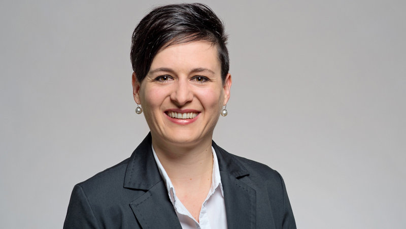 Bettina Angela Arnold Client Advisor