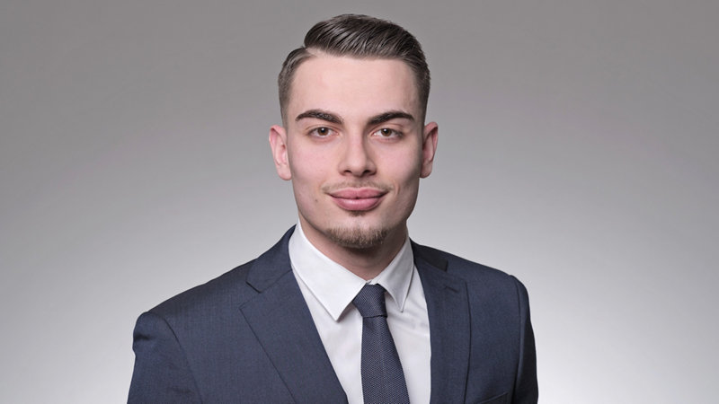Ilir Ramadani Conseiller à la clientèle