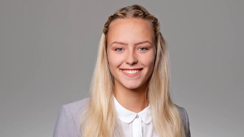 Larissa Dubacher Mitarbeiterin Kundenservice