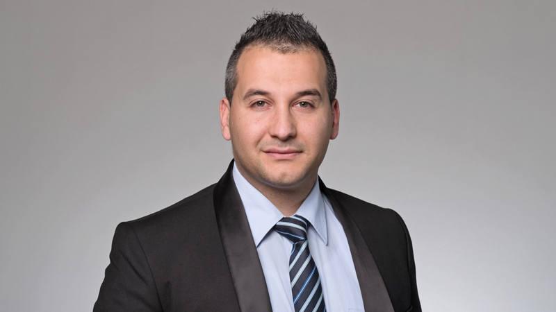 Mustafa Sevim Consulente della clientela