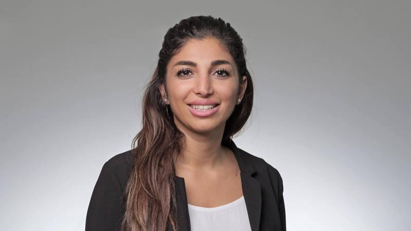 Özlem Pamdir Conseillère à la clientèle