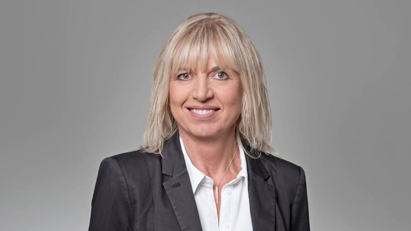 Christine Schütz Client Service Officer