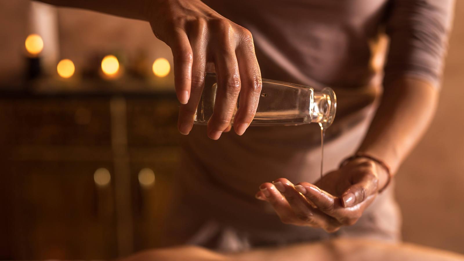 Ayurveda Massage: Mehr als sanfte Striche mit Öl