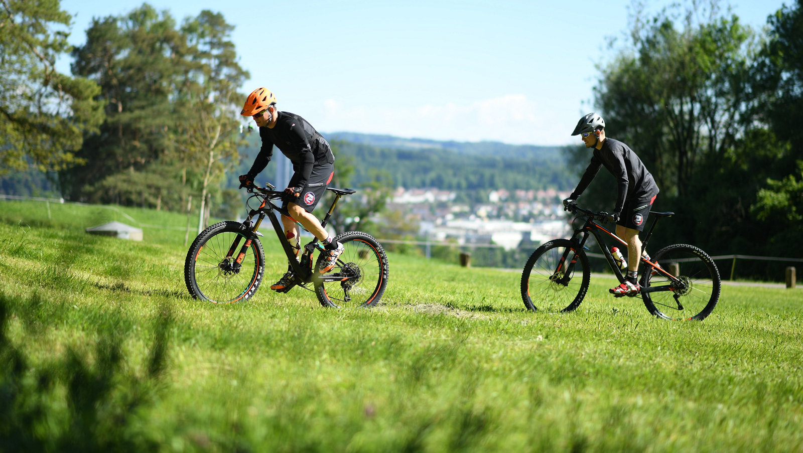 bike-wettbewerb-sport-wiese.jpg