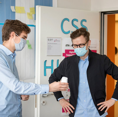 Zwei Mannen im CSS Health Lap