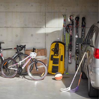 Garage mit Sportutensilien