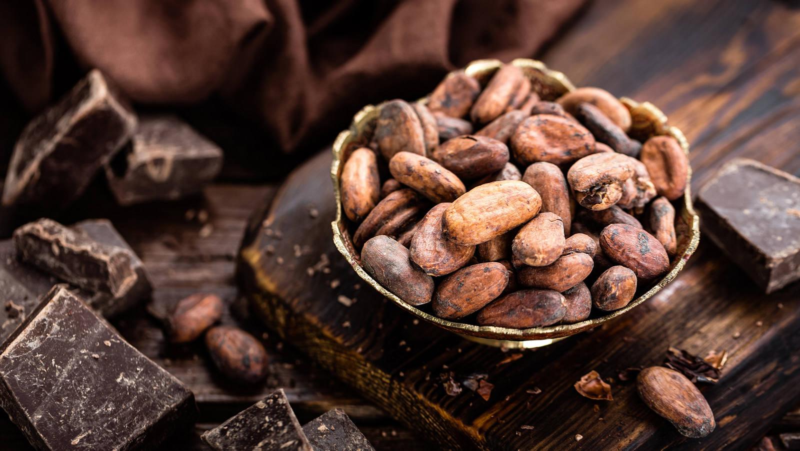 Laissez-vous tenter par un chocolat maison fait à partir de fèves de cacao