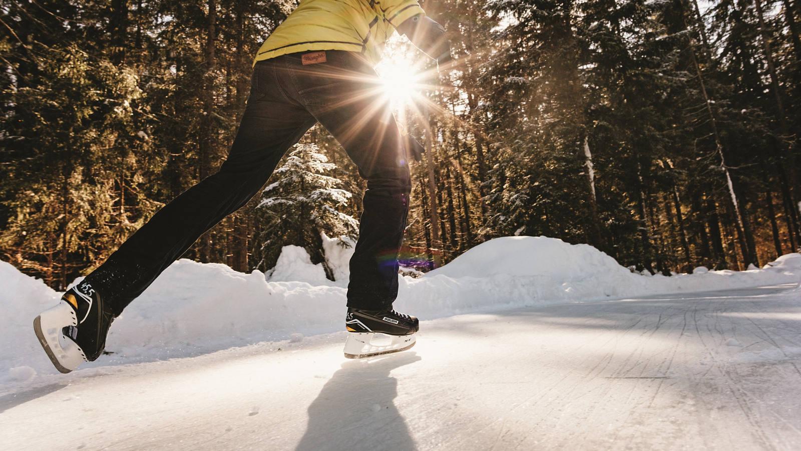 Skateline: Auf dem Eisweg durch den Wald cruisen